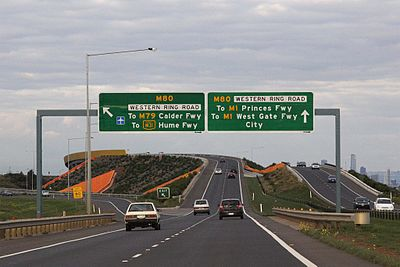 Deer_Park_Bypass_eastbound_at_Western_Ring_Road
